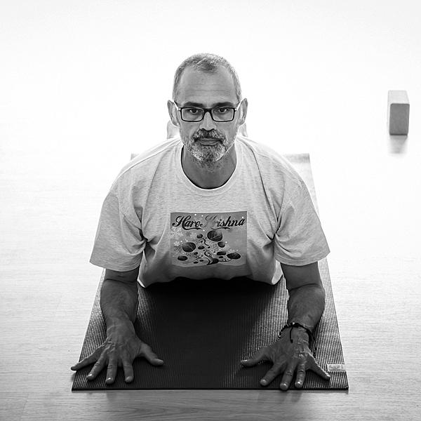 El Hatha Yoga es una ciencia milenaria que permite superar nuestros límites mentales y físicos